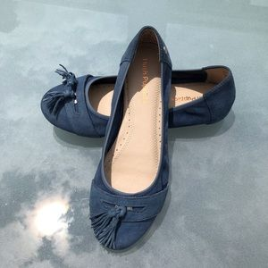 Blue Suede Shoes 💙 Hush Puppies 7 W 💙